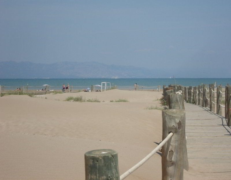 Playa de Riumar, frente al Garxal