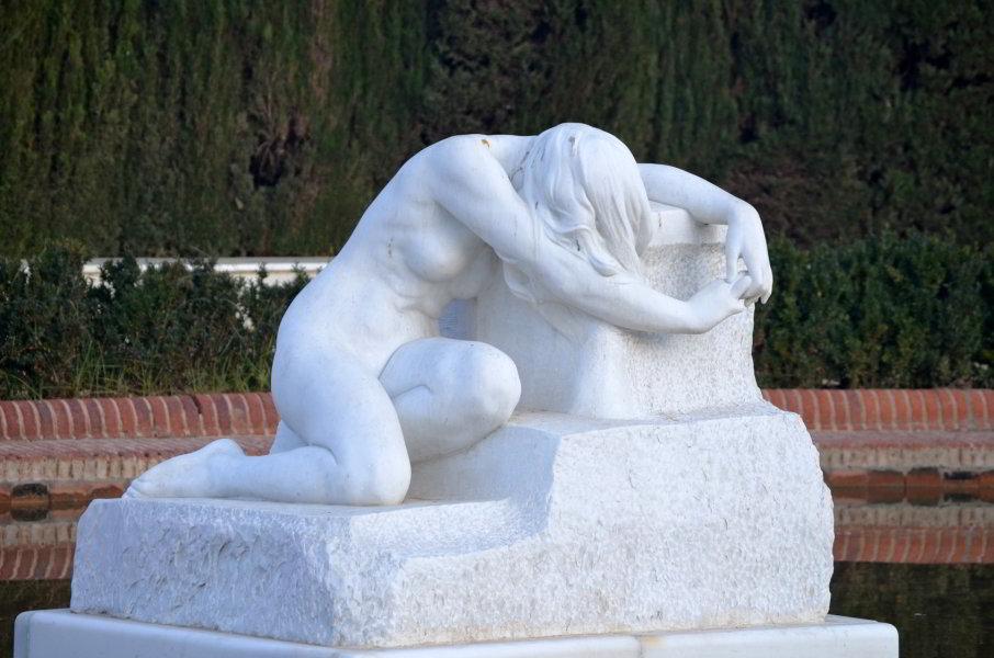 El Desconsol de Josep Llimona en el Parc de la Ciutadellaq