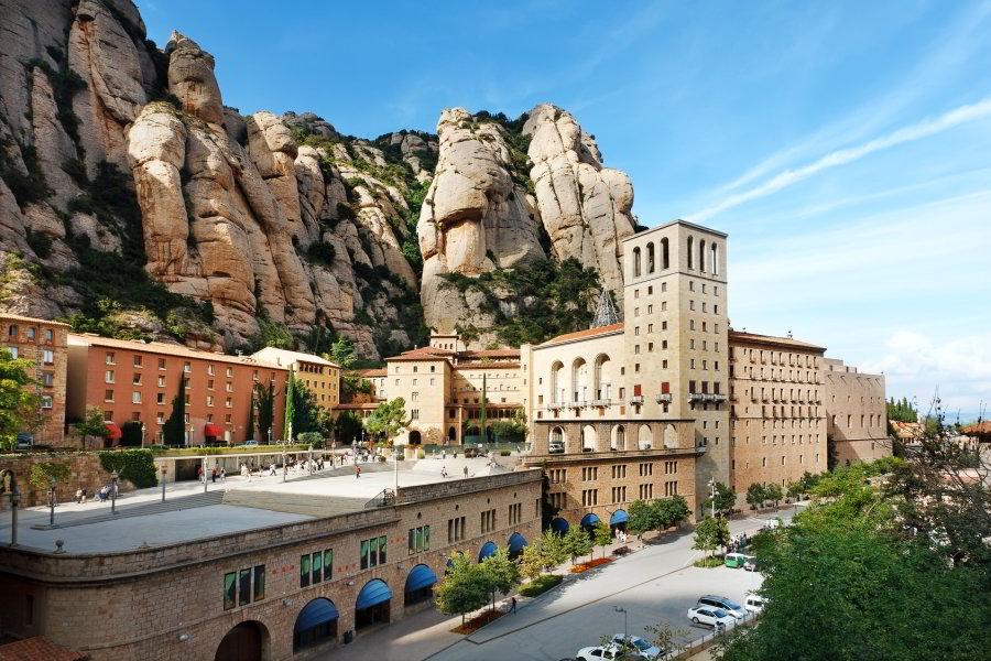 Excursión por la Barcelona de Gaudí y visita a Montserrat