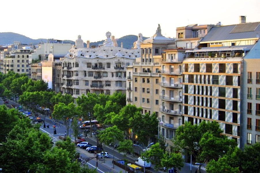 Viajar a barcelona paseo de gracia de barcelona for Hotel gracia barcelona