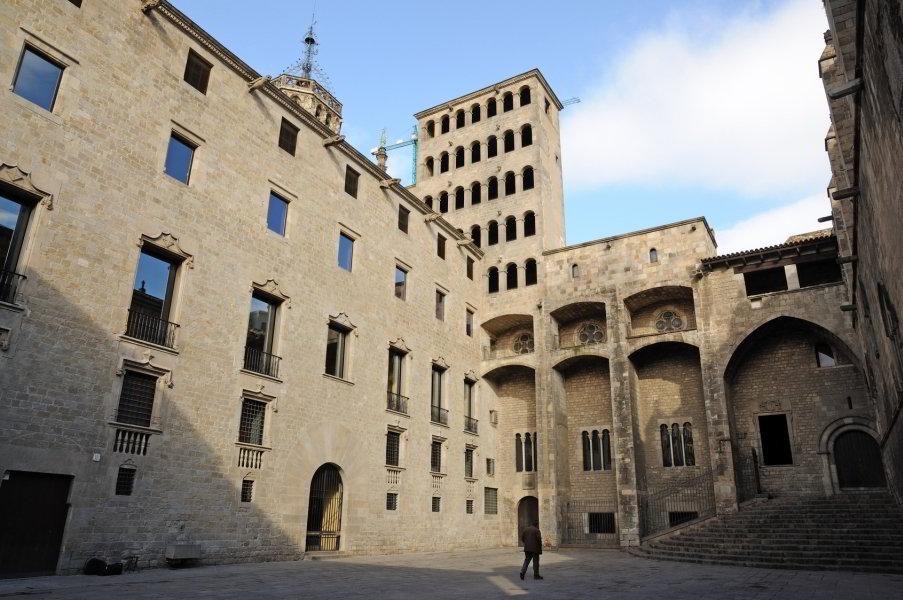 Plaça del Rei, Palau del Lloctinent