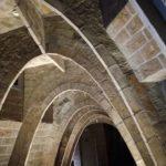 La Pedrera de Gaudí: Los orígenes con un espectáculo de luces en la azotea, Cava
